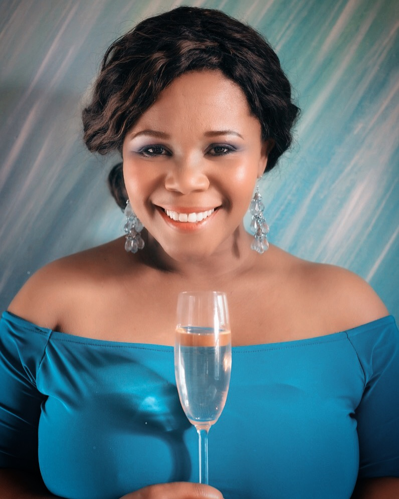 The Plett Wine & Bubbly Festival is excited to announce a new Master of Ceremonies for the 2017 event – the beautiful and talented Buli G Ngomane